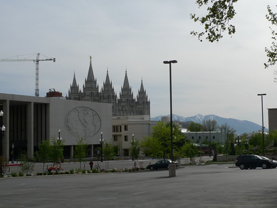 Wide streets and long blocks in Salt Lake City