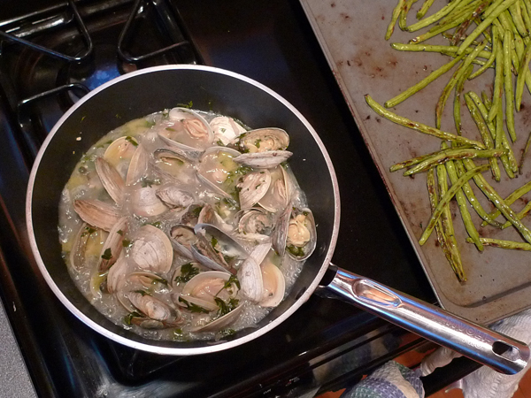 Rat's clams cooking