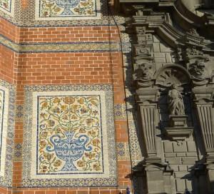 Talavera tile on the facade of the Templo del Tercer