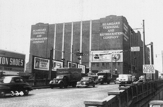 Arthur Rothstein, Jersey City in 1939, Seaboard Terminal & Refrigeration Company at Holland Tunnel Approach